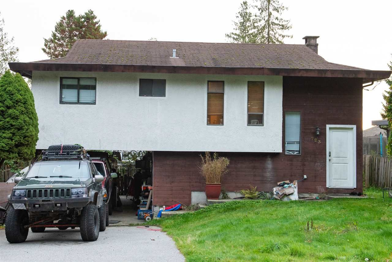 Main Photo: 723 TRICKLEBROOK Way in Gibsons: Gibsons & Area House for sale (Sunshine Coast)  : MLS®# R2416239
