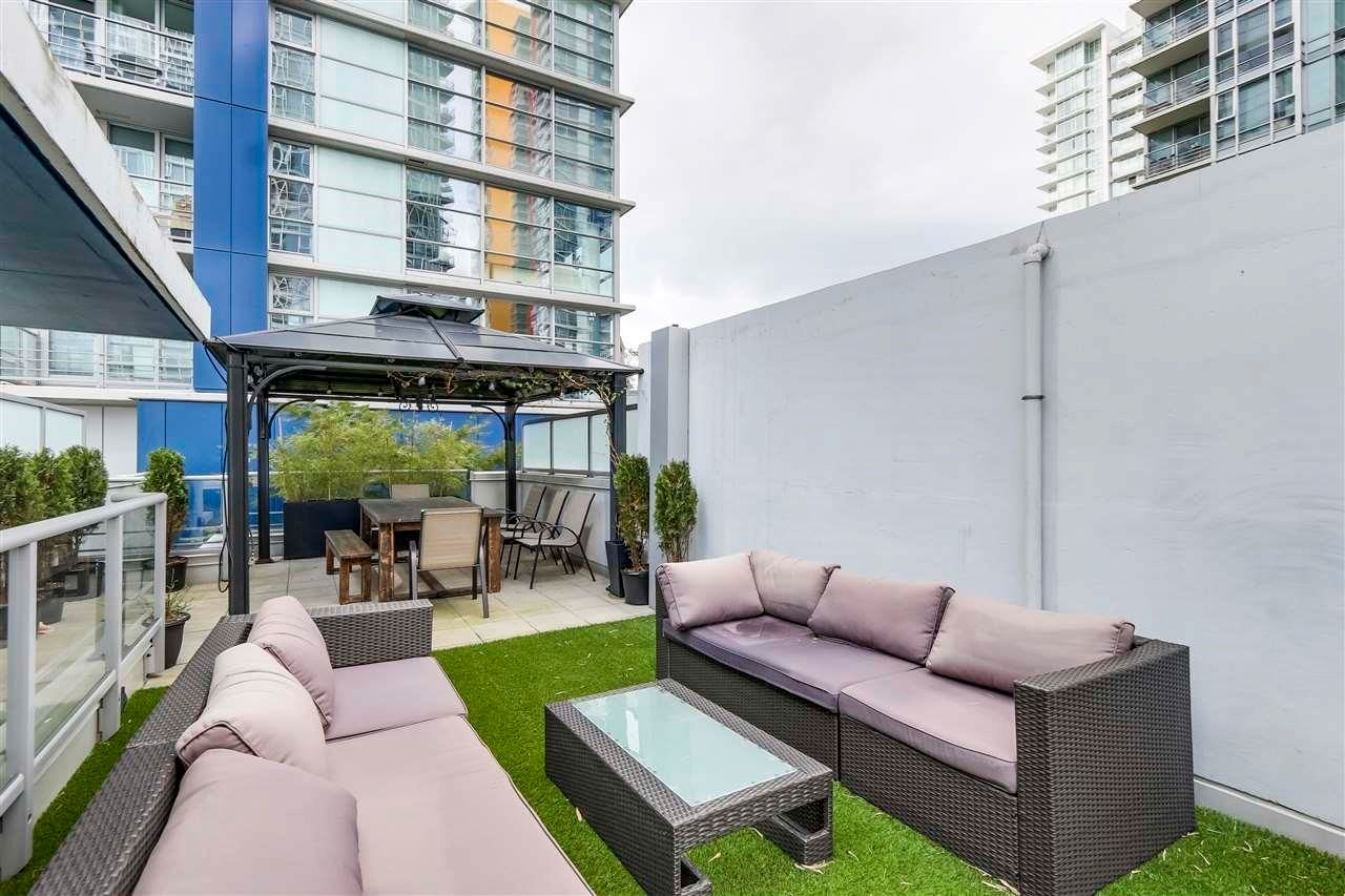Main Photo: 102 REGIMENT Square in Vancouver: Downtown VW Townhouse for sale (Vancouver West)  : MLS®# R2601399