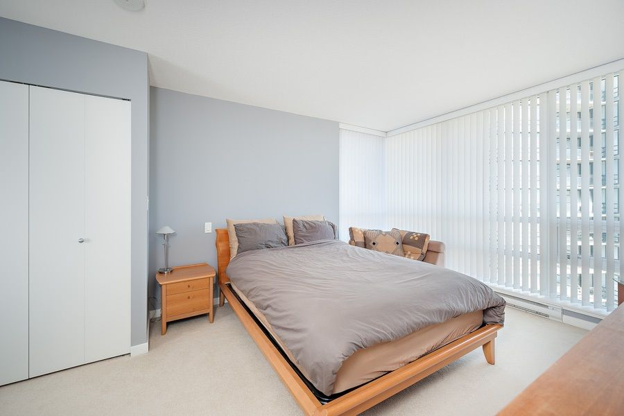 """Photo 7: Photos: 1002 3333 CORVETTE Way in Richmond: West Cambie Condo for sale in """"WALL CENTRE RICHMOND"""" : MLS®# R2054097"""