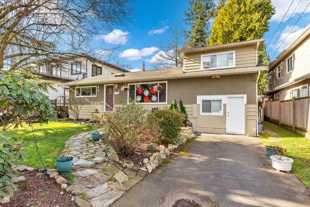 Main Photo: 1739 156A Street in Surrey: Sunnyside Park Surrey House for sale (South Surrey White Rock)  : MLS®# R2539466