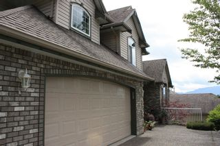 """Photo 2: 36282 SANDRINGHAM Drive in Abbotsford: Abbotsford East House for sale in """"CARRTINGTON ESTATES"""" : MLS®# F1016618"""