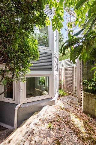 """Photo 19: 104 4696 W 10TH Avenue in Vancouver: Point Grey Townhouse for sale in """"University Gate"""" (Vancouver West)  : MLS®# R2591831"""