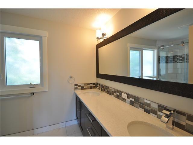 Photo 8: Photos: 1048 LAKE TWINTREE Drive SE in Calgary: Lake Bonavista Residential Detached Single Family for sale : MLS®# C3641174