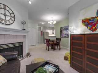 """Photo 4: 301 2755 MAPLE Street in Vancouver: Kitsilano Condo for sale in """"THE DAVENPORT"""" (Vancouver West)  : MLS®# R2122011"""