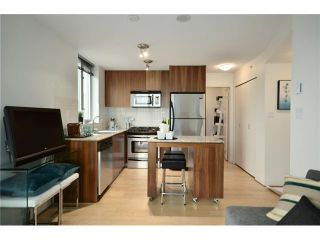 """Photo 3: 1101 1030 W BROADWAY in Vancouver: Fairview VW Condo for sale in """"LA COLOMBA"""" (Vancouver West)  : MLS®# V911282"""