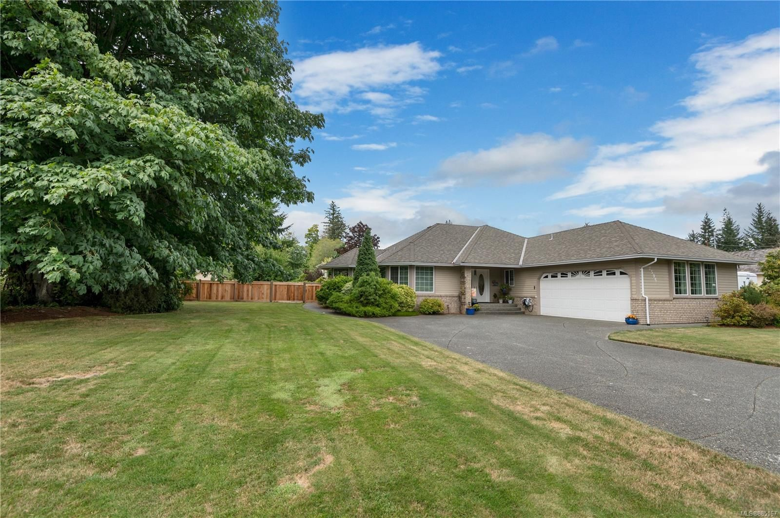 Main Photo: 2596 COHO Rd in : CR Campbell River North House for sale (Campbell River)  : MLS®# 885167