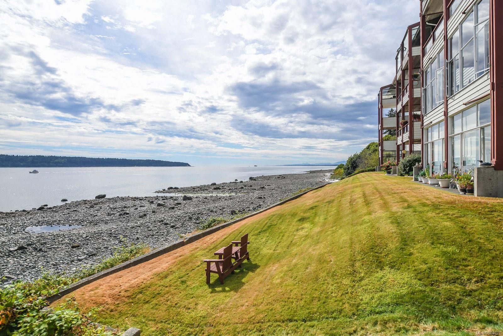 Main Photo: 15 523 Island Hwy in : CR Campbell River Central Condo for sale (Campbell River)  : MLS®# 884027