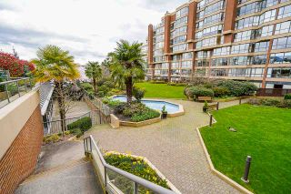 """Photo 31: 102 1450 PENNYFARTHING Drive in Vancouver: False Creek Condo for sale in """"Harbour Cove"""" (Vancouver West)  : MLS®# R2560607"""