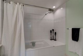 """Photo 18: 311 15272 20 Avenue in Surrey: King George Corridor Condo for sale in """"Windsor Court"""" (South Surrey White Rock)  : MLS®# R2582826"""