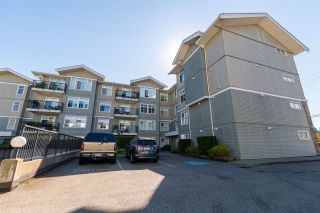 Photo 1: 305 33255 OLD YALE Road in Abbotsford: Central Abbotsford Condo for sale : MLS®# R2511696