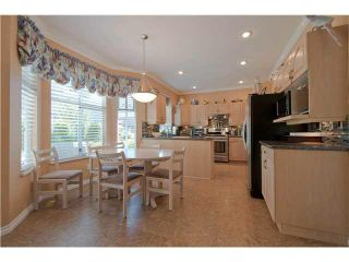 """Photo 5: 28 6211 W BOUNDARY Drive in Surrey: Panorama Ridge Townhouse for sale in """"LAKEWOOD HEIGHTS"""" : MLS®# F1421128"""