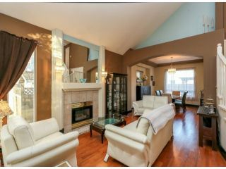 """Photo 3: 7926 REDTAIL Place in Surrey: Bear Creek Green Timbers House for sale in """"Hawkstream"""" : MLS®# F1405519"""