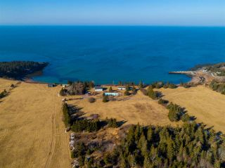 Photo 1: 103 champlain Road in Sandy Cove: 401-Digby County Residential for sale (Annapolis Valley)  : MLS®# 202001956