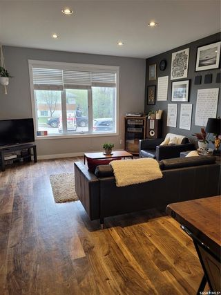 Photo 4: 300A 111th Street West in Saskatoon: Sutherland Residential for sale : MLS®# SK855231