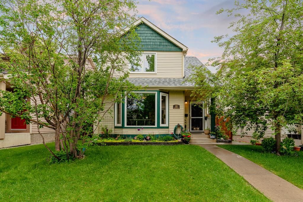 Main Photo: 123 Erin Woods Drive SE in Calgary: Erin Woods Detached for sale : MLS®# A1117498