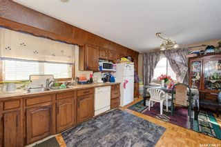 Photo 10: 204 Witney Avenue South in Saskatoon: Meadowgreen Residential for sale : MLS®# SK845574