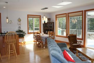 Photo 8: 5160 Cowichan Lake Rd in : Du West Duncan House for sale (Duncan)  : MLS®# 869501