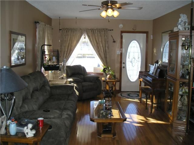 Photo 2: Photos: 161 Bronx Place in WINNIPEG: East Kildonan Residential for sale (North East Winnipeg)  : MLS®# 1002480