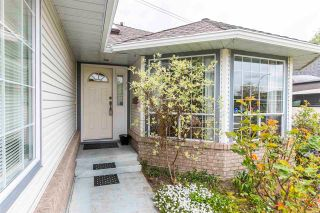 Photo 3: 18172 CLAYTONWOOD Crescent in Surrey: Cloverdale BC House for sale (Cloverdale)  : MLS®# R2575859