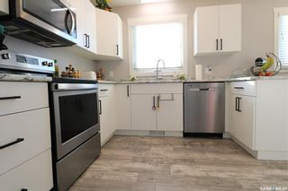 Photo 3: 372 26th Street in Battleford: Residential for sale : MLS®# SK833664