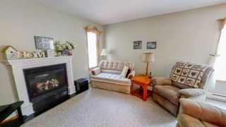 Photo 2: 5 Connaught Place in Pinawa: R18 Residential for sale : MLS®# 202118519