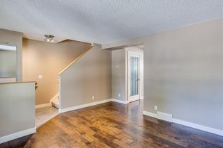 Photo 5: 194 WOODMONT Terrace SW in Calgary: Woodbine Row/Townhouse for sale : MLS®# C4306150