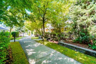 "Photo 27: 2 6878 SOUTHPOINT Drive in Burnaby: South Slope Townhouse for sale in ""Cortina Townhomes"" (Burnaby South)  : MLS®# R2487318"