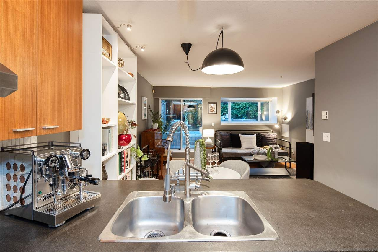 """Photo 10: Photos: 102 788 E 8TH Avenue in Vancouver: Mount Pleasant VE Condo for sale in """"Chelsea Court"""" (Vancouver East)  : MLS®# R2515993"""