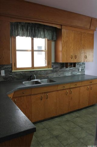 Photo 10: 118 3rd Avenue West in Gravelbourg: Residential for sale : MLS®# SK864838