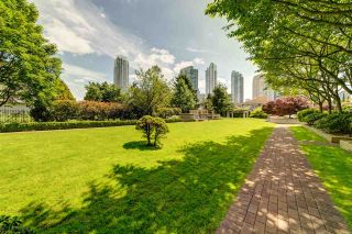 """Photo 18: 3006 4333 CENTRAL Boulevard in Burnaby: Metrotown Condo for sale in """"Presidia"""" (Burnaby South)  : MLS®# R2423050"""
