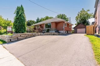 Photo 1: 94 Farewell Street in Oshawa: Donevan House (Bungalow-Raised) for sale : MLS®# E5329123