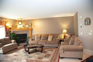 Photo 6: 186 EVERSTONE Drive SW in Calgary: Evergreen Detached for sale : MLS®# A1135538