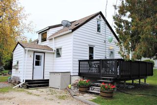 Photo 1: 4 Baie Caron Avenue North in St Georges: R28 Residential for sale : MLS®# 202105765