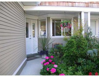 """Photo 2: 69 15133 29A AV in White Rock: King George Corridor Townhouse for sale in """"STONEWOODS"""" (South Surrey White Rock)  : MLS®# F2618848"""