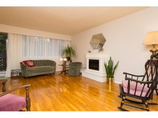 """Photo 5: 911 555 W 28TH Street in North Vancouver: Upper Lonsdale Condo for sale in """"CEDAR BROOKE VILLAGE"""" : MLS®# R2027545"""