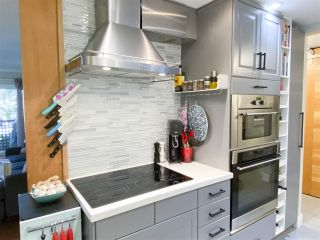 "Photo 11: 203 1935 W 1ST Avenue in Vancouver: Kitsilano Condo for sale in ""KINGSTON GARDENS"" (Vancouver West)  : MLS®# R2495106"