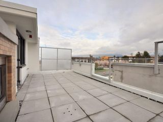 Photo 10: 1329 CIVIC PLACE MEWS in North Vancouver: Central Lonsdale Townhouse for sale : MLS®# R2114138