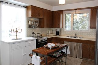 Photo 6: 956 Lodge Avenue in Pincher Creek: House for sale