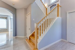 Photo 3: 132 Cresthaven Place SW in Calgary: Crestmont Detached for sale : MLS®# A1121487