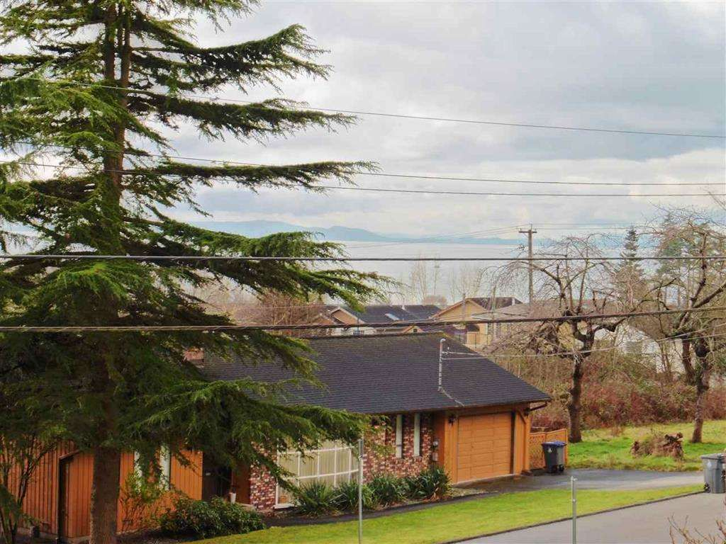Photo 18: Photos: 16045 9 Avenue in Surrey: King George Corridor House for sale (South Surrey White Rock)  : MLS®# R2149917