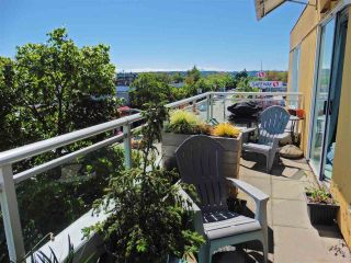 """Photo 2: 403 1978 VINE Street in Vancouver: Kitsilano Condo for sale in """"THE CAPERS BUILDING"""" (Vancouver West)  : MLS®# R2593406"""