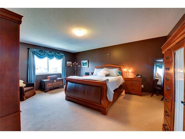 Photo 11: Photos: 21 MORNINGSIDE Bay SW: Airdrie House for sale : MLS®# C4011063