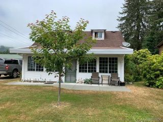 Photo 1: 7320 Pacheena St in : Sk Port Renfrew House for sale (Sooke)  : MLS®# 881926