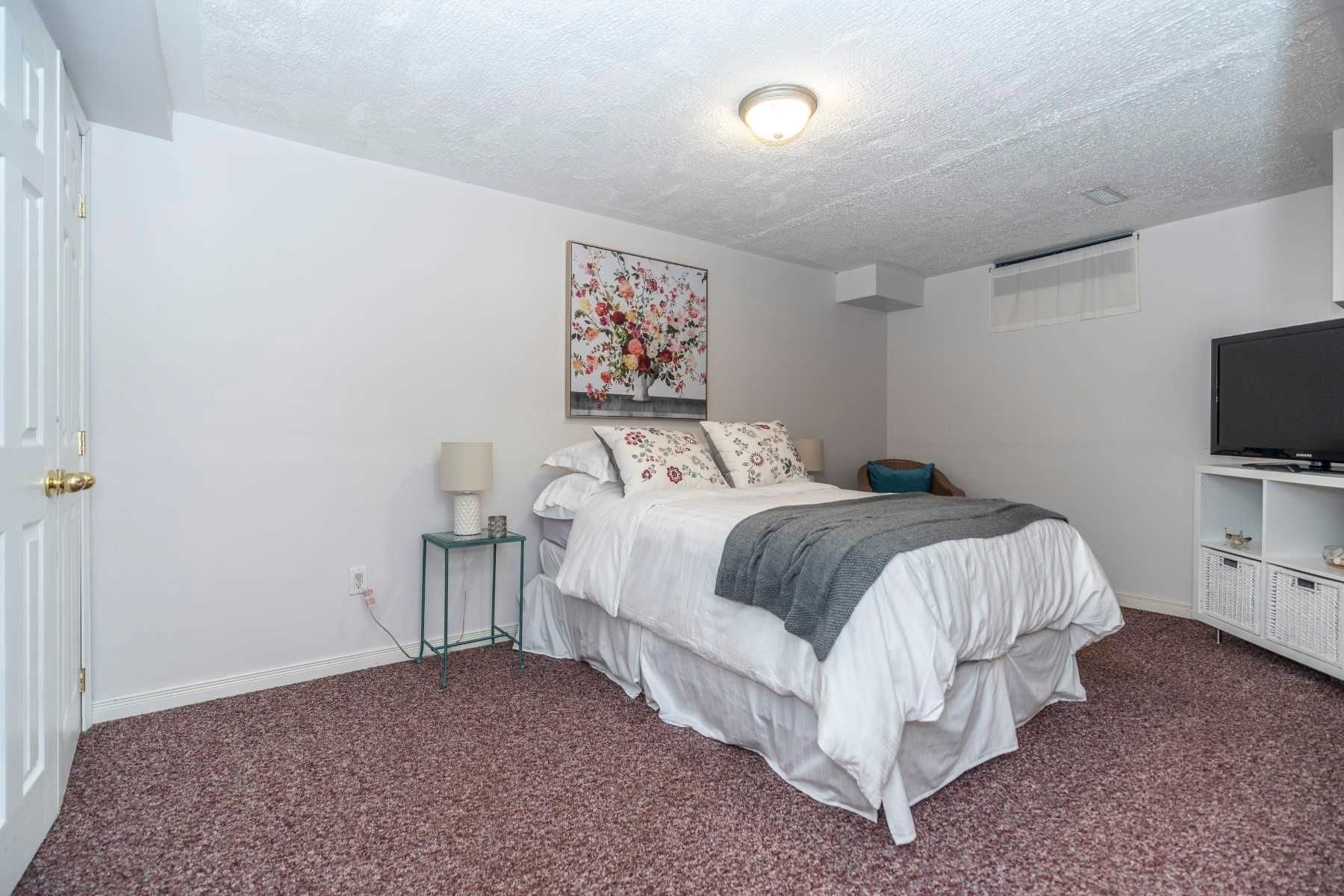 Photo 18: Photos: 547 Camelot Drive in Oshawa: Eastdale House (2-Storey) for sale : MLS®# E4529227