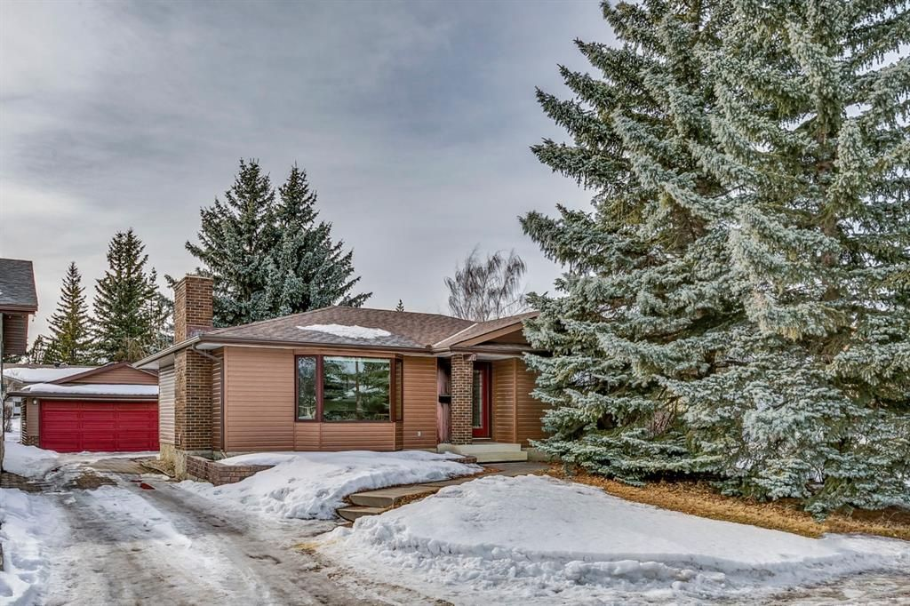 Main Photo: 539 Brookpark Drive SW in Calgary: Braeside Detached for sale : MLS®# A1077191
