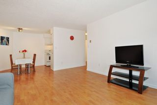 """Photo 4: 311 9847 MANCHESTER Drive in Burnaby: Cariboo Condo for sale in """"Barclay Woods"""" (Burnaby North)  : MLS®# R2317069"""