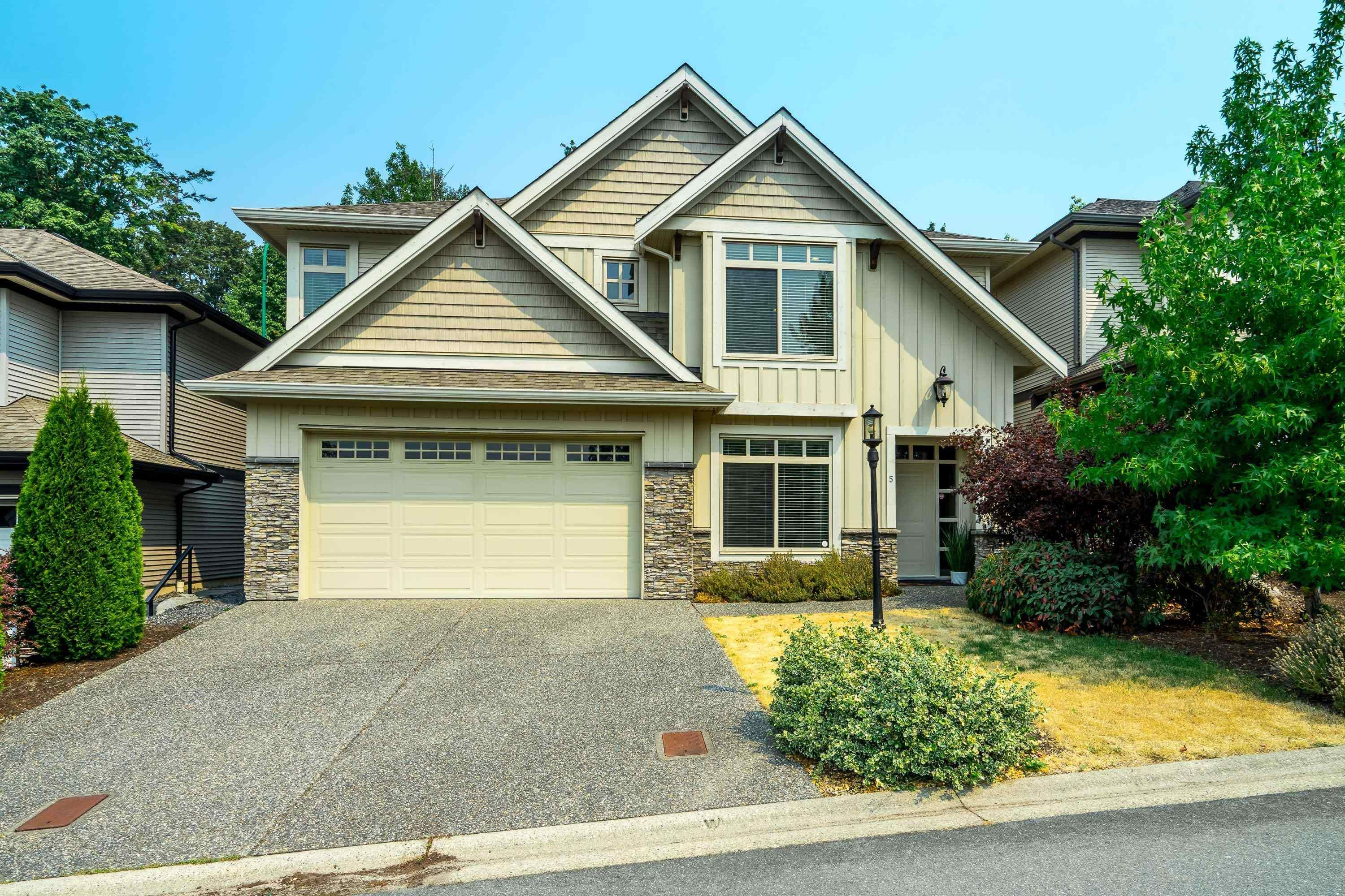 """Main Photo: 5 3457 WHATCOM Road in Abbotsford: Abbotsford East House for sale in """"The Pines"""" : MLS®# R2609632"""