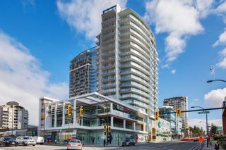 """Photo 1: 704 112 E 13TH Street in North Vancouver: Lower Lonsdale Condo for sale in """"CENTREVIEW"""" : MLS®# R2243856"""