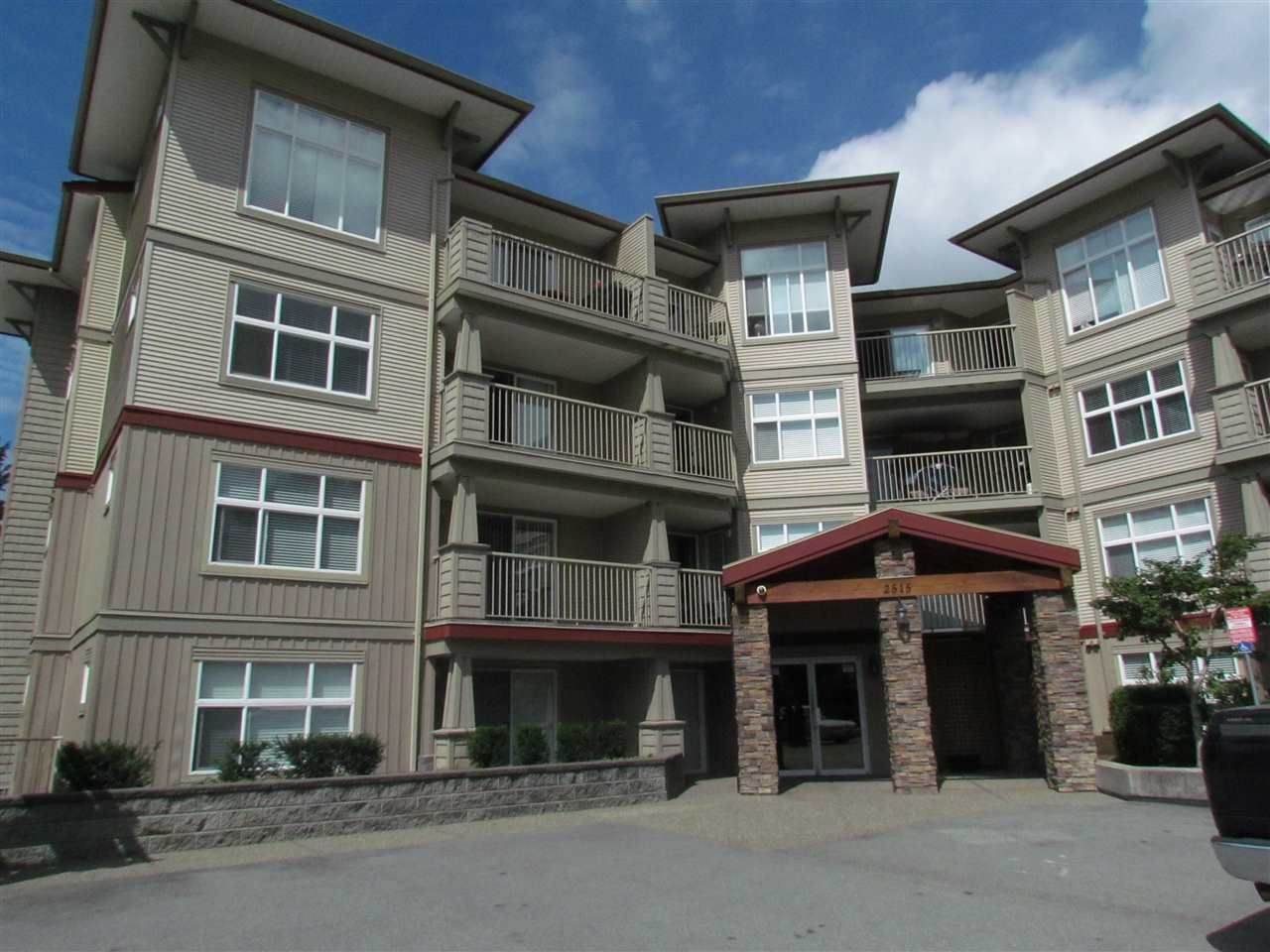 """Main Photo: 405 2515 PARK Drive in Abbotsford: Abbotsford East Condo for sale in """"VIVA ON PARK"""" : MLS®# R2463743"""