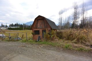 Photo 6: 5251 N FIRST Avenue: Hazelton House for sale (Smithers And Area (Zone 54))  : MLS®# R2246166
